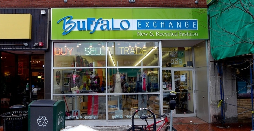 Front View of Buffalo Exchange Storefront 3D Non Illuminated Letters